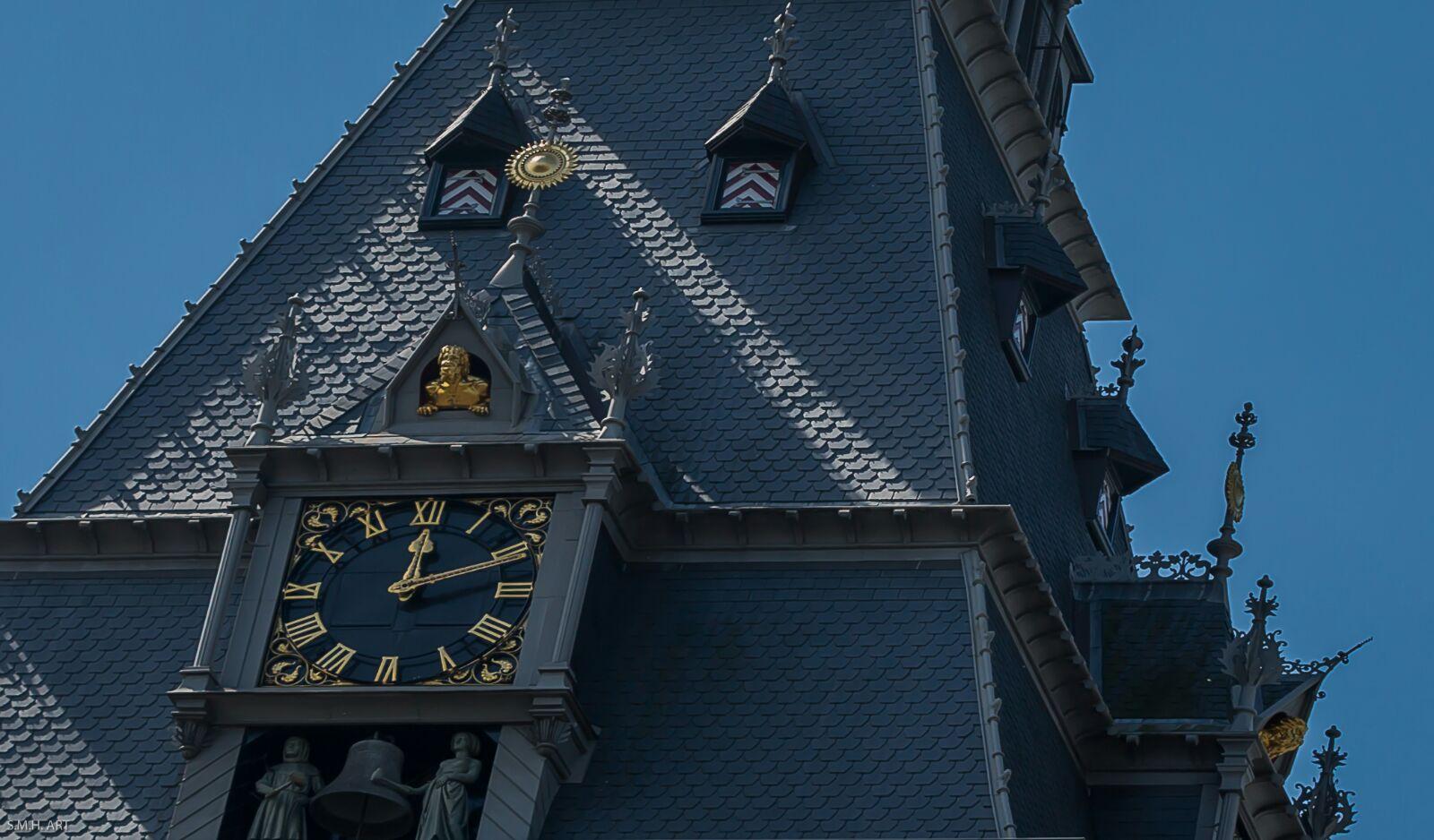 El reloj en Amsterdam marca hora distinta...