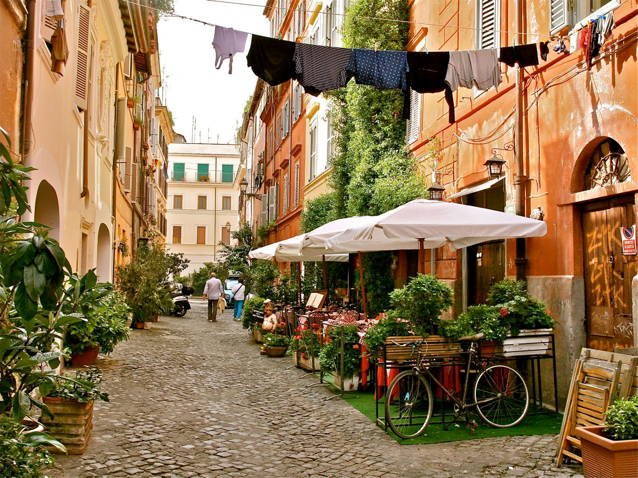 El barrio Trastėvere con su aire bohemio...
