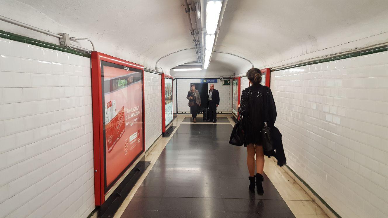 Y cada mañana el metro; destino los sueños y punto de partida la realidad cotidiana.