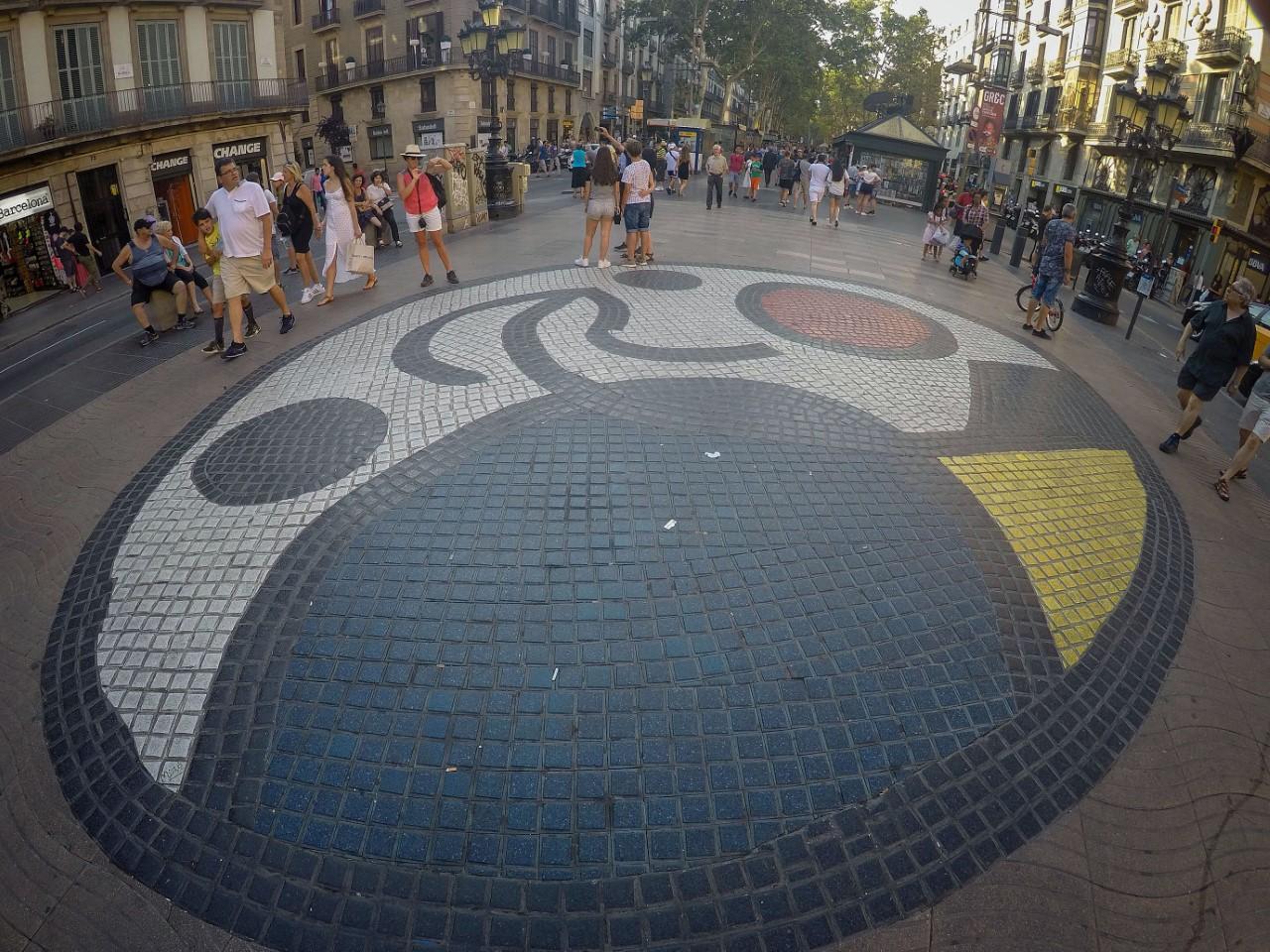 El mosaico de Miró en La Rambla
