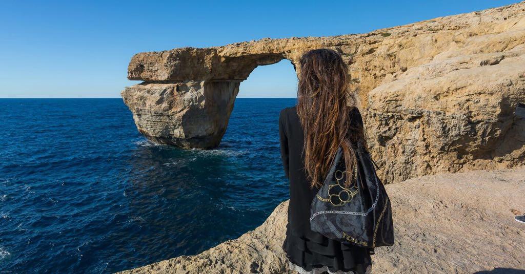 Malta. La mochila estuvo en Azure Window antes de su derrumbe