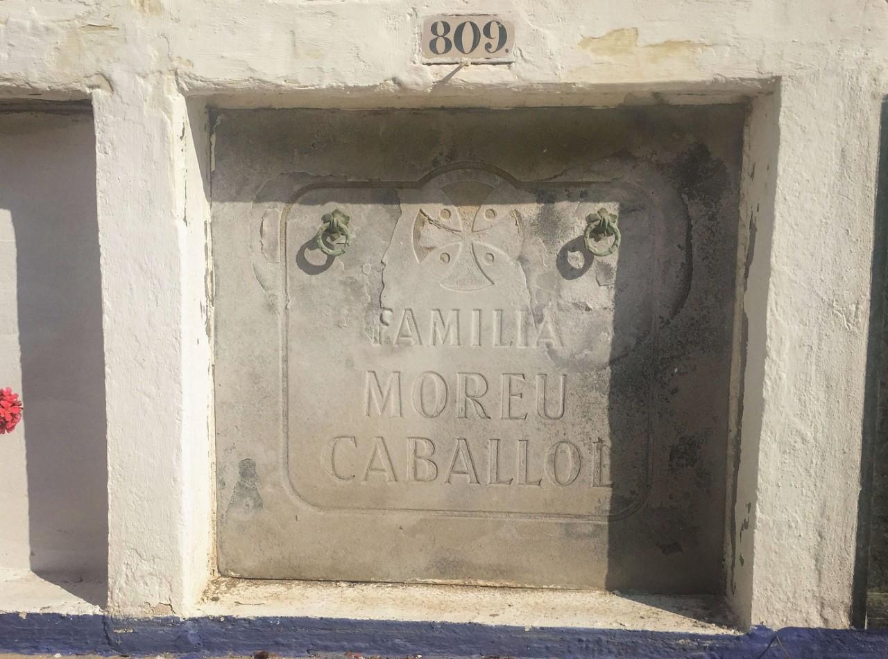 El nicho de Pepeta Moreu , el amor imposible de Gaudí