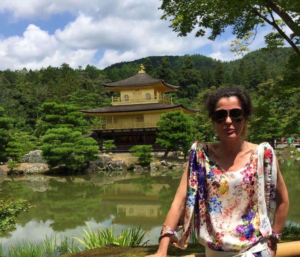 El legendario lugar da nombre a una novela, El pabellón dorado, de Yukio Mishima