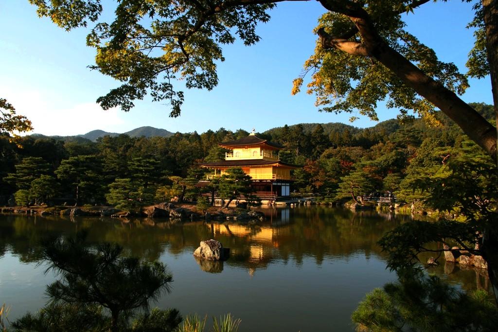 El templo del Pabellón Dorado es uno de los lugares más visitados de Kioto