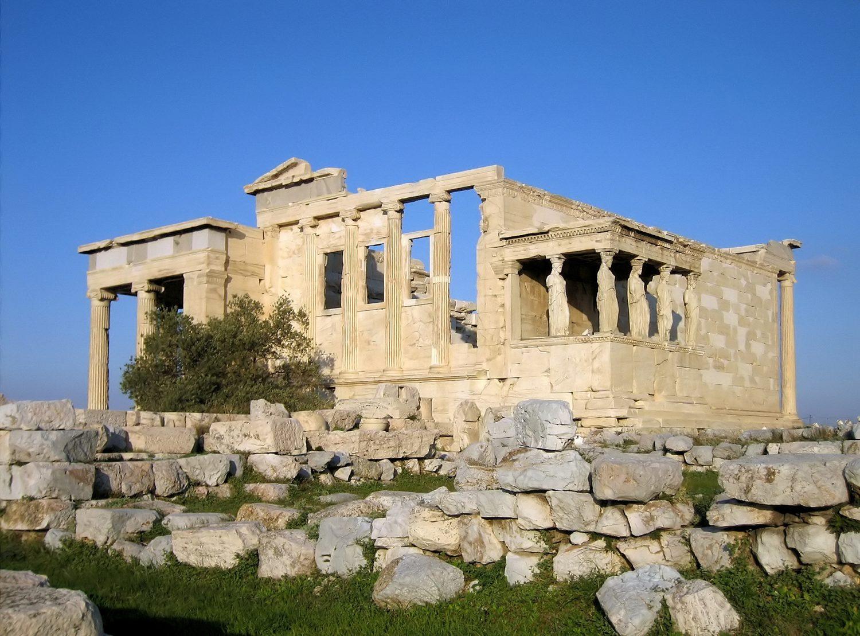 El Erecteion aún alberga el olivo de Atenea...