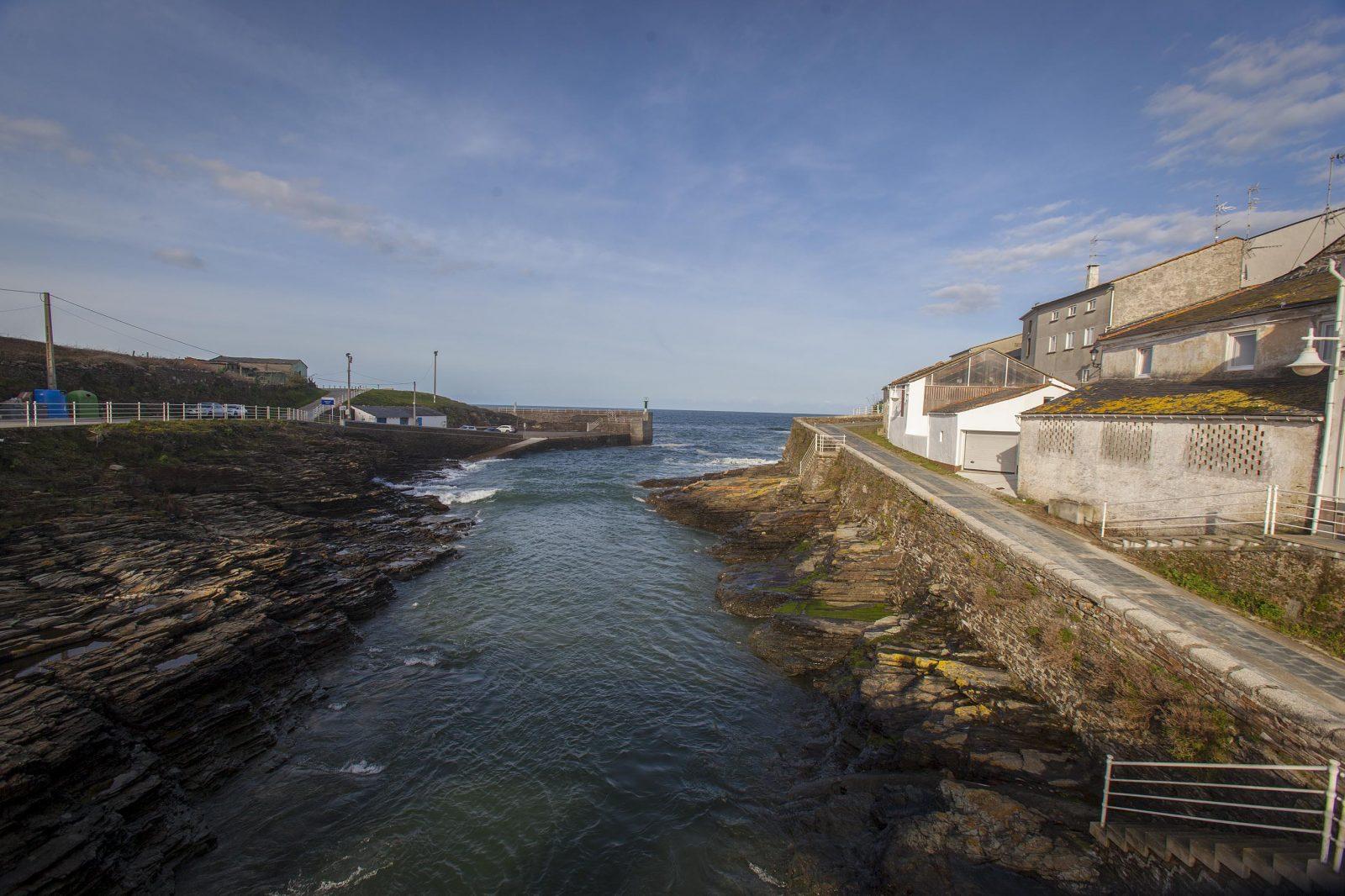 Rinlo, cuentan los ancianos que los acuerdos del pueblo se realizaban frente al mar