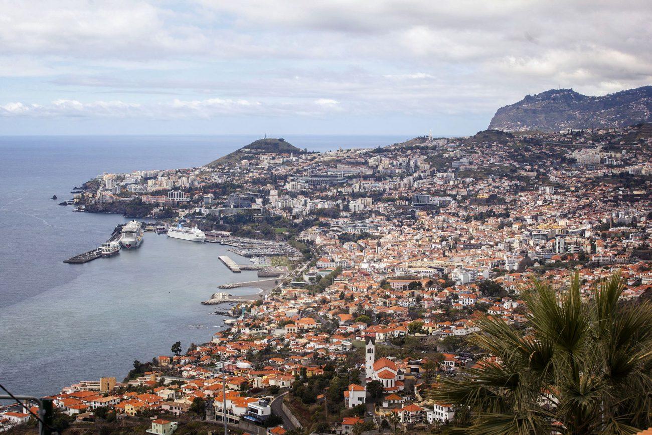 Funchal está situada de cara al Atlántico