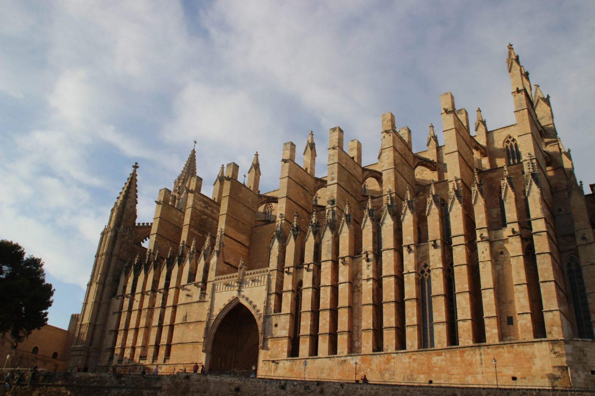 La catedral se construyó para ser admirada desde el mar...