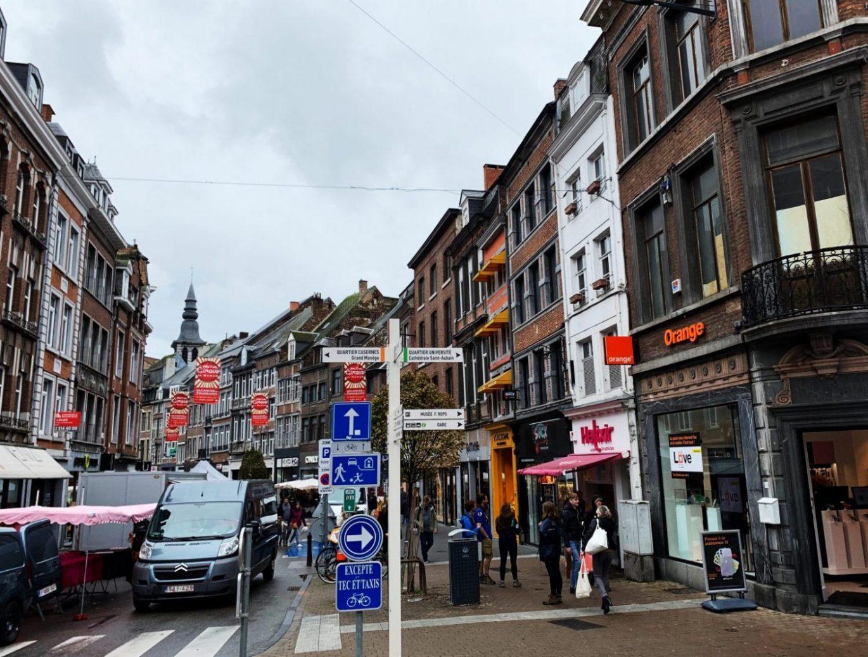 Su centro es un enrevesado de calles dinámico...